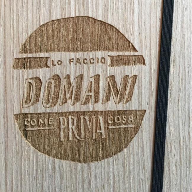 """Taccuino """"Lo faccio domani come prima cosa"""", copertina rigida in legno frassino, SMALL tascabile formato 11x15 cm"""
