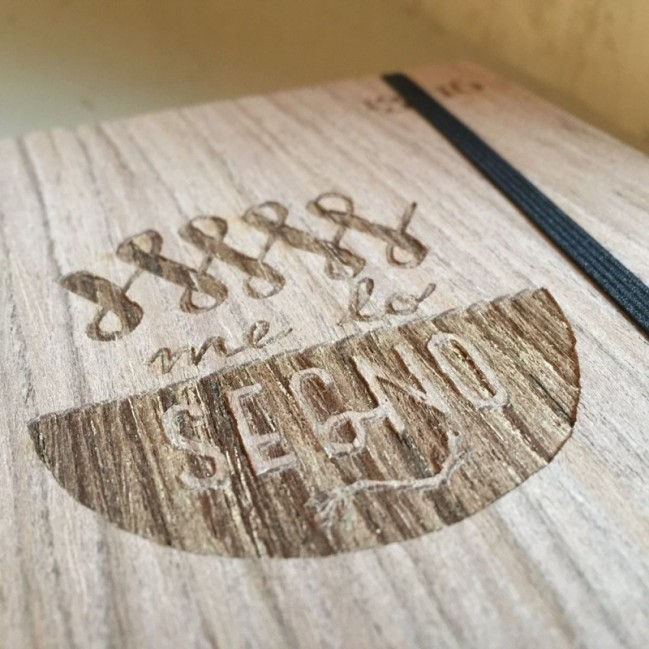"""Taccuino """"Me lo segno"""", copertina rigida in legno essenza frassino, formato LARGE 16x21,7 cm"""
