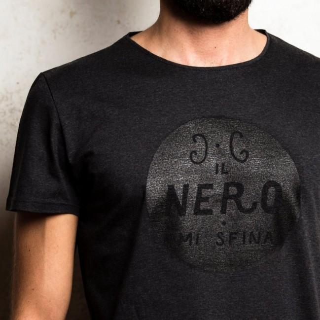 """T-shirt homme """"il nero mi sfina"""" 100% coton coloris gris anthracite"""