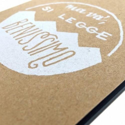 """Notes tascabile """"Ma va', si legge benissimo!"""", copertina sabbia e interno in carta colore nero"""