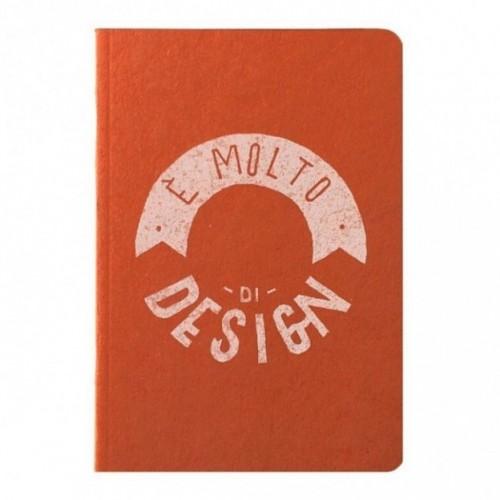 """Notes tascabile """"È molto di design"""", copertina arancione e interno in carta colore nero"""
