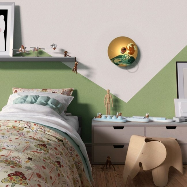 Fermaluce UFO con paralume in legno double-face illustrato da Giulia Quagli